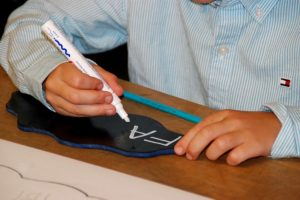 Montessori Grundschule Hangelsberg_Einschulung vom 8. August 2020_Wolken bemalen