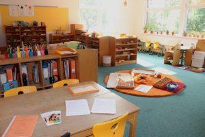 Jahrgangsuebergreifendes Lernen im Lerngruppenraum Orange